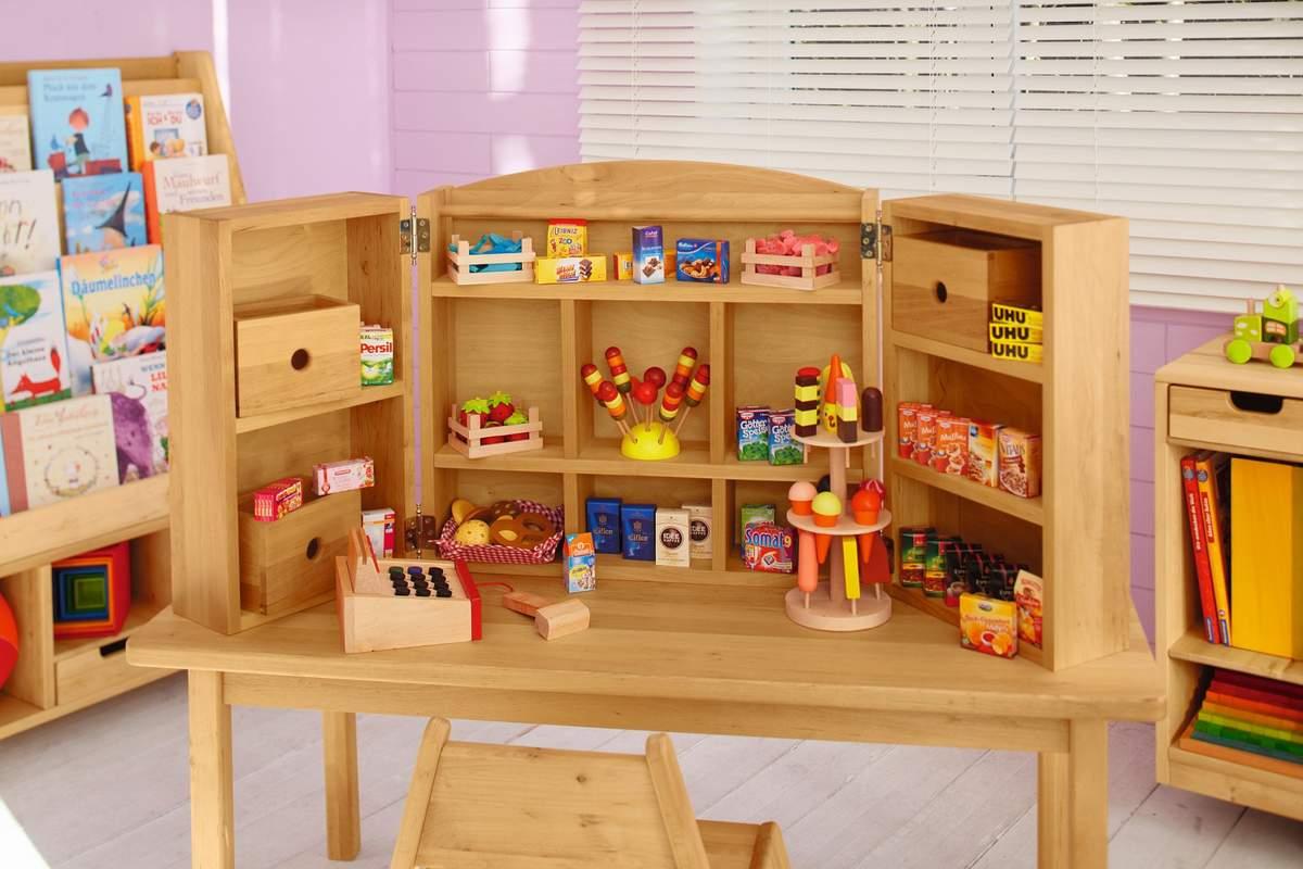 Artikelbild: Robin Tischkaufladen und Kasperletheater